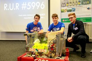 Students from the PORG high-school in Prague presented their robot at the conference, with which they also competed in the USA.